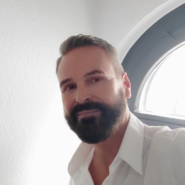 Dr. Christian Turck