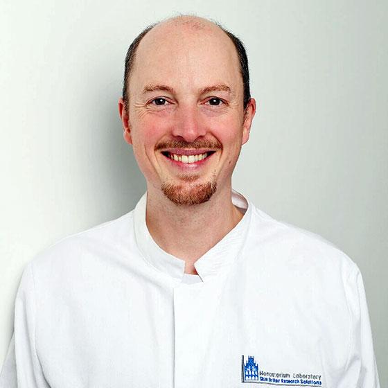 Dr. Max van Lessen